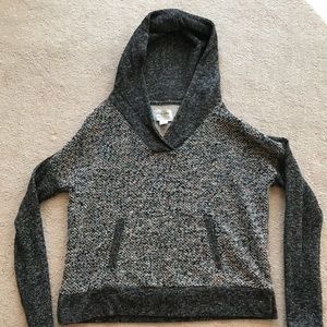 Lucky Brand sweatshirt with hood and front pocket